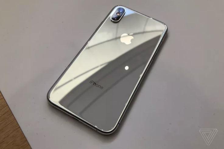 Đây là 2 phiên bản nâng cấp của Iphone X bị Apple khai tử chỉ trong chưa đầy 1 năm. Ảnh: Zing News