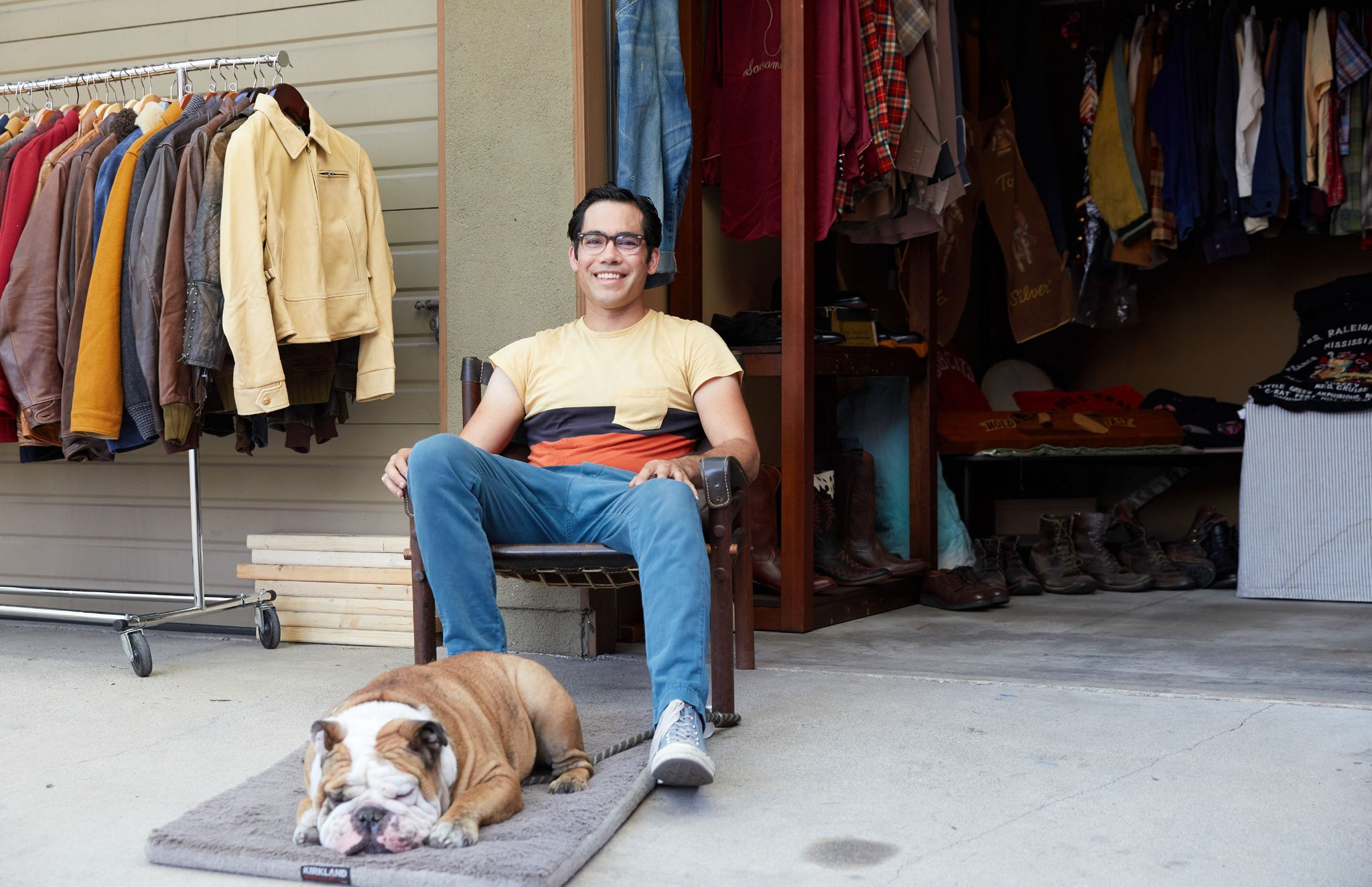 phong cach vintage - Tommy Abbott (above), owner of Tommy's Good Stuff. - elle man