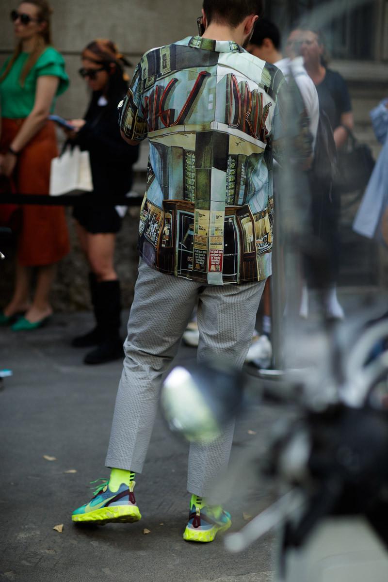 Nếu để dự báo một điều về xu hướng thời trang đường phố 2019 thì đó chính là cảm hứng từ gam màu neon nổi bật. Ảnh: IMAXTREE