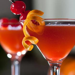 Vì sao nên chọn rượu rum cho buổi hẹn hò của bạn?