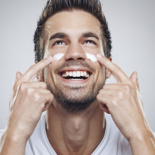 3 bước cơ bản phải có trong chu trình chăm sóc da hàng ngày của nam giới