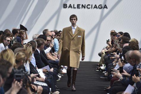 logo thuong hieu Balenciaga elle man 11