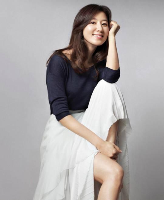 cha in pyo - Kim Hee Ae - elle man
