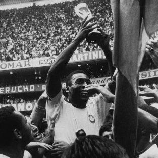 Vua bóng đá Pele: Đơn giản là Zeus của đỉnh Olympus