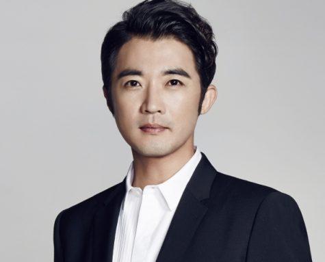 Ahn Jae Wook - elle man 1