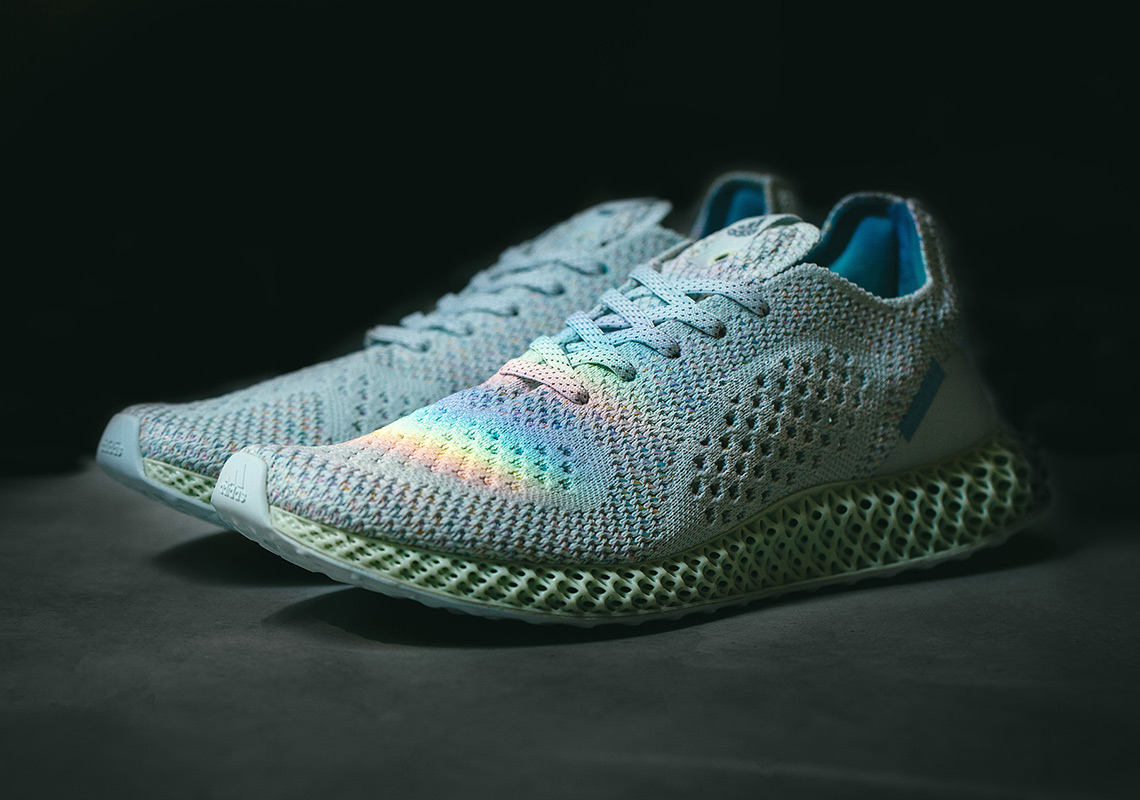 "giay theo thao dat nhat q3.2018 - Invincible x adidas Futurecraft 4D ""Prism"" - elle man"