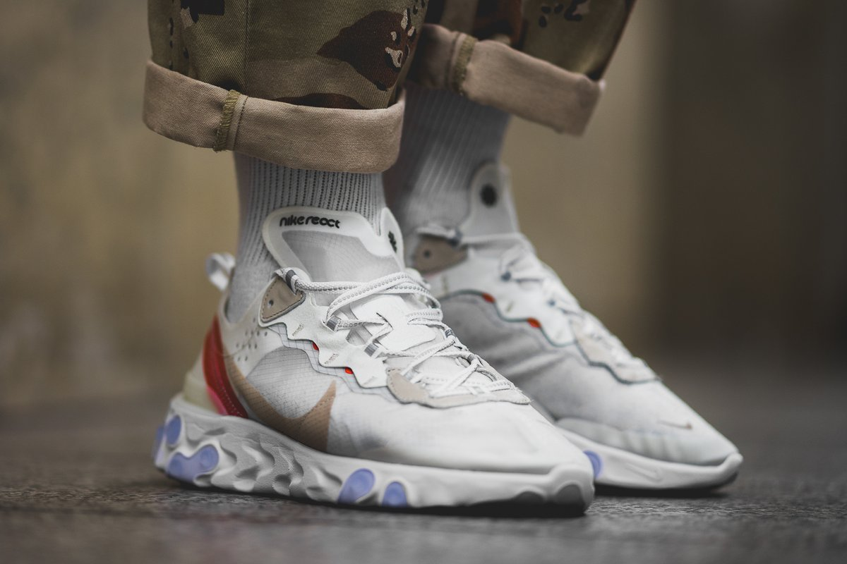 "giay theo thao dat nhat q3.2018 - Nike React Element 87 ""Sail Light Bone"" - elle man"