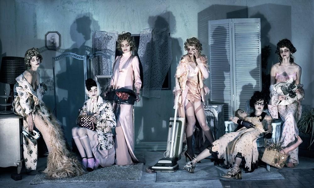 Từ lâu thời trang luôn lấy cảm hứng từ những câu chuyện, hình ảnh rùng rợn, kinh dị. Ảnh: Vogue