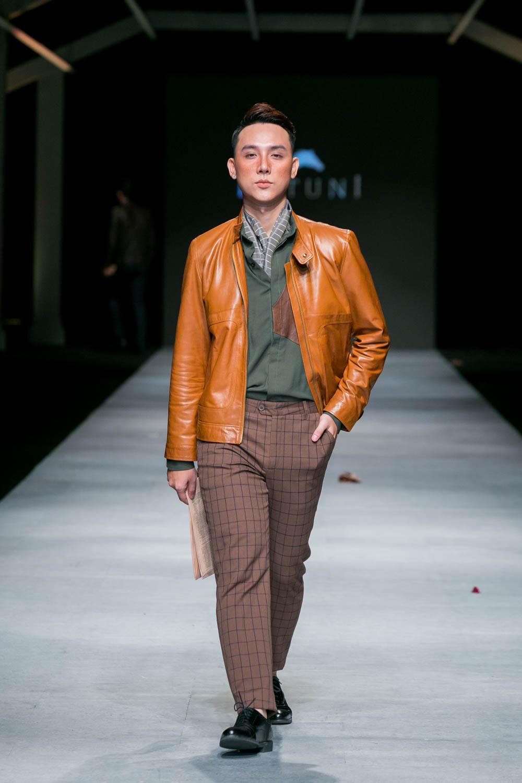 Thương hiệu Butuni với phong cách trang nhã, lịch lãm nổi bật với tông màu lạnh và được chấm phá với chiếc áo khoác da màu cam đất ấn tượng. Ảnh: Vifw.vn
