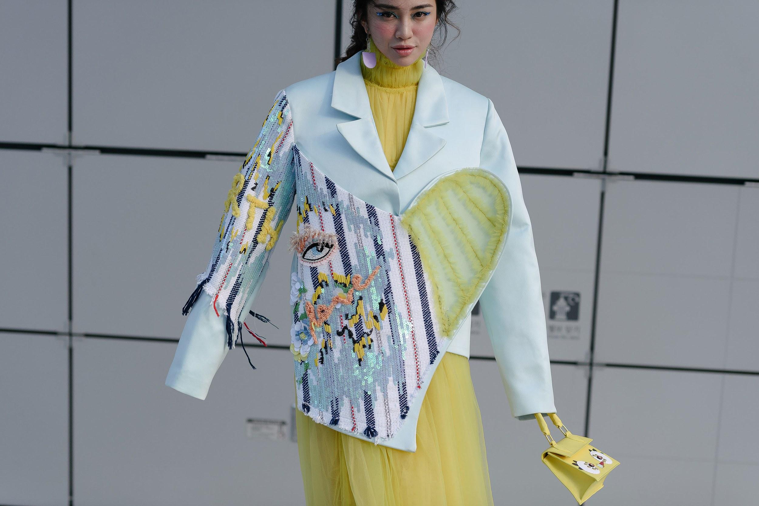 Thiên Nga được vinh danh trên Vogue với trang phục ấn tượng. Ảnh: Alex Finch