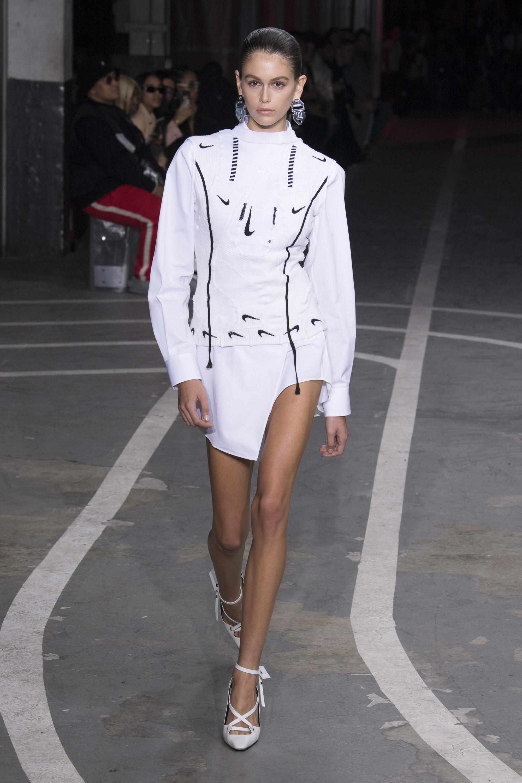 Tin tức thời trang đáng chú ý nửa cuối tháng 10 chính là việc Off-White trở thành thương hiệu được nhiều người ưa chuộng nhất Q3/2018. Ảnh: Vogue