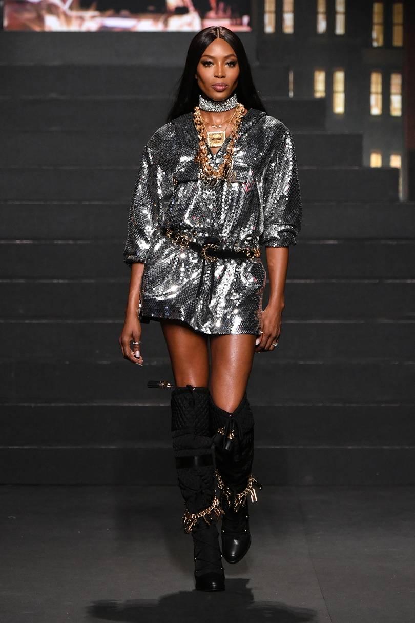 Sự góp mặt của siêu mẫu Naomi Campbellcàng chứng tỏ sức hút của bản colab này. Ảnh: Vogue