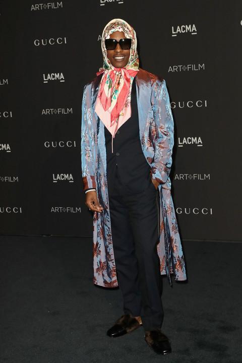 A$AP Rocky cực lầy với outfit unisex trên thảm đỏ của LACMA Art+Film Gala, Los Angeles, Mỹ. Ảnh: Highsnobiety