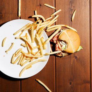An toàn thực phẩm: Sự thật đằng sau quy tắc 5 giây