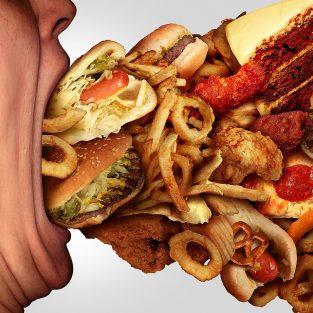 """Liệu """"Cheat day"""" sẽ phù hợp với chế độ giảm cân của bạn?"""
