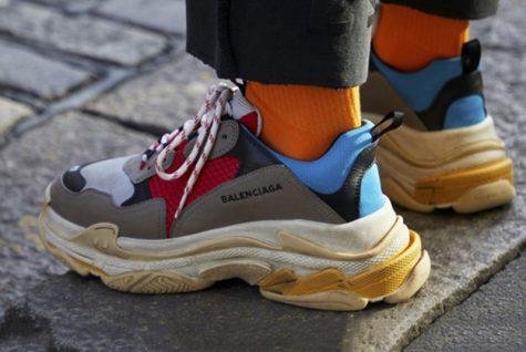 elle-man-viet-nam-khi-thoi-trang-cao-cap-lam-giay-the-thao-sneakers-dua-nhau-tang-gia3-475x318