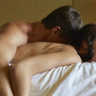 11 lời thú tội hài hước trong chuyện giường chiếu