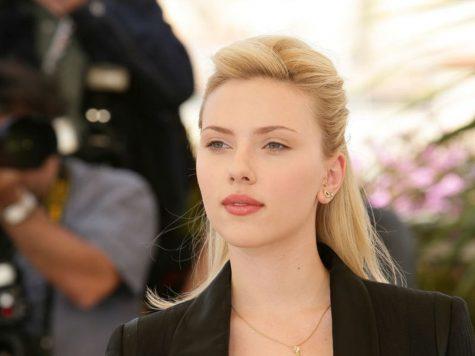 Scarlett Johansson - elle man 1