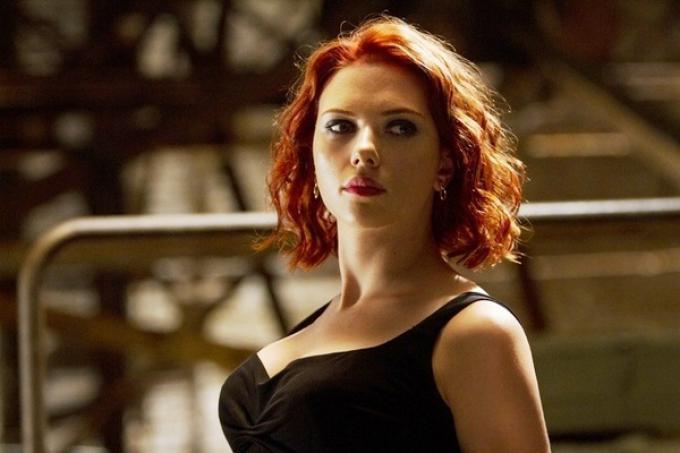 Scarlett Johansson - elle man 3