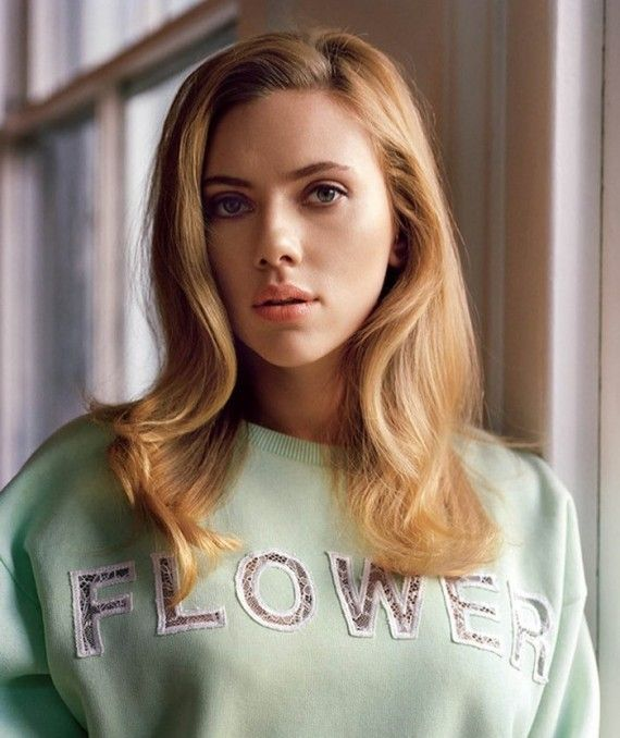Scarlett Johansson - elle man 5