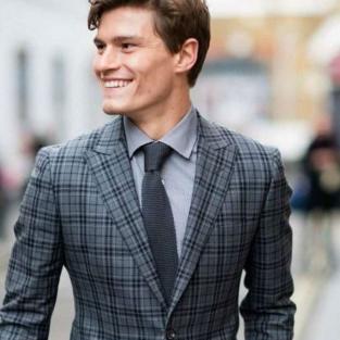 Đổi mới phong cách thời trang suit cuối năm với những hoạ tiết ca-rô