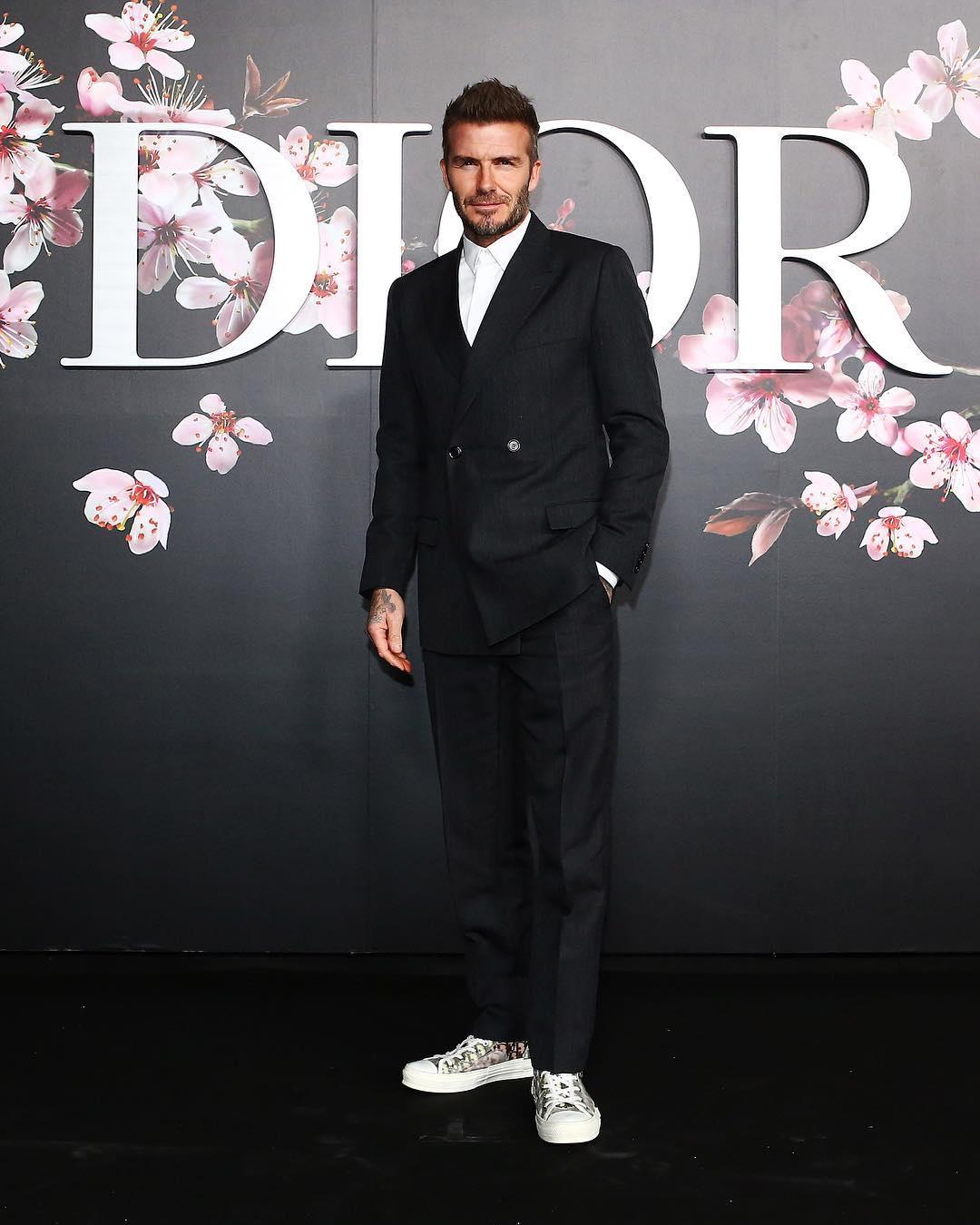 David Beckham xuất hiện với phong cách đơn giản của trường phái casual nhưng vẫn tạo được sức hút. Ảnh: Dior
