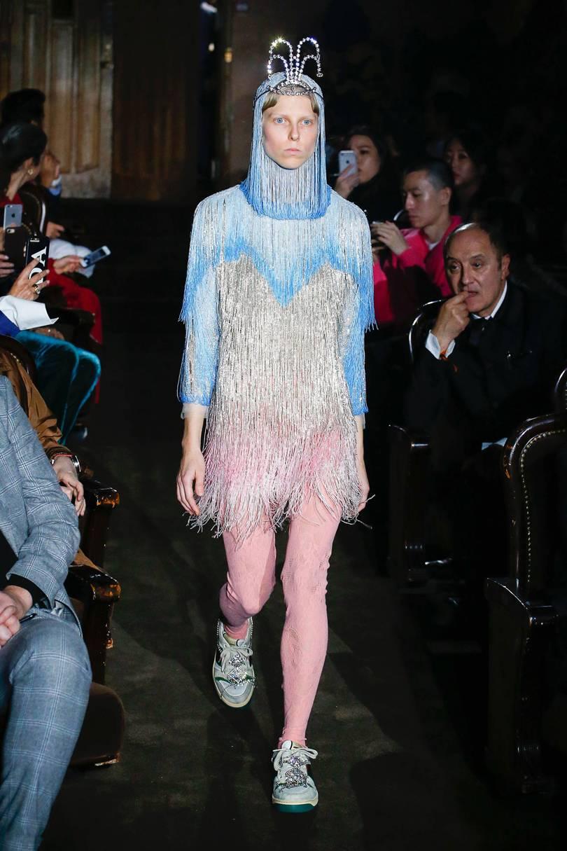 Gucci hiện lên đầy tính nghệ thuật, mới mẻ và táo bạo. Ảnh: Vogue
