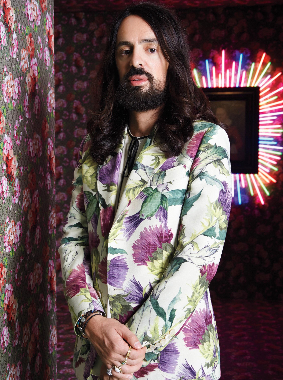 Alessandro Michele với mái tóc dài đậm chất hippie cùng phong cách làm việc điềm đạm, trầm tĩnh. Ảnh: W Magazine