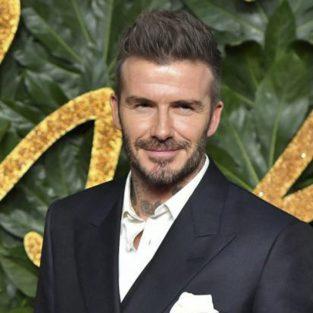 Học cách phối trang phục dự tiệc đơn giản nhưng cực lịch lãm như David Beckham