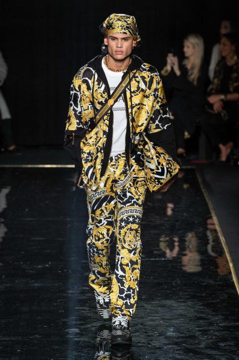 Họa tiết baroque tái sinh trong những chiếc áo khoác năng động và hiện đại. Ảnh: Vogue