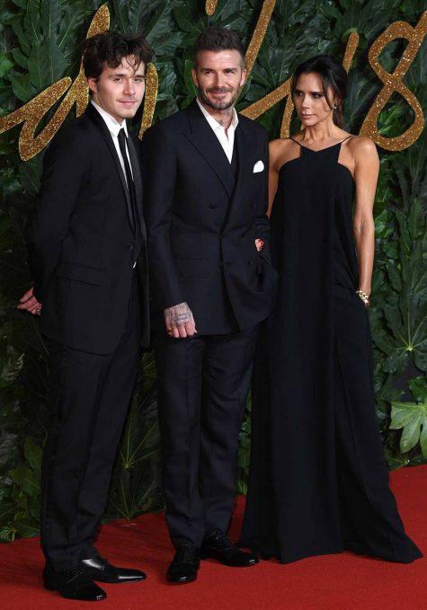 Đại gia đình Beckham trên thảm đỏ Fashion Awards 2018. Ảnh: Vogue