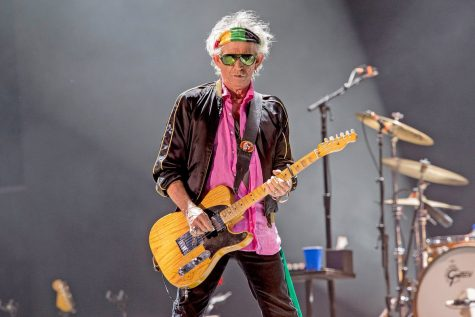 Keith Richards - uong ruou bia - elle man - 1