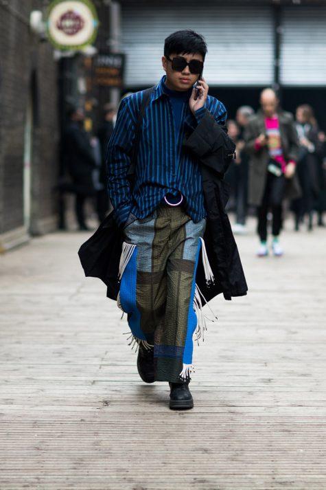 Mẫu quần được tạo nên những các mẫu vải nhỏ ghép lại tạo nên sự tương phản ấn tượng. Ảnh: Highsnobiety