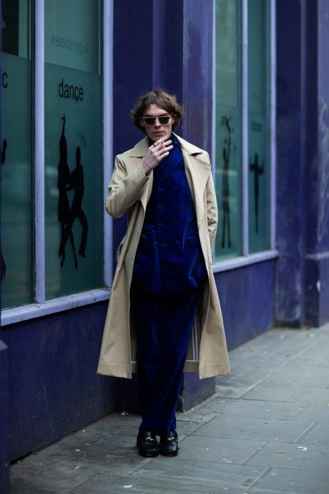 Suit nhung tôn lên tinh thần sang trọng. Ảnh: Esquire