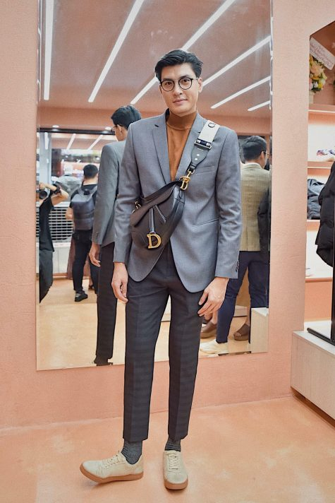 Quang Đại dừng chân ở ví trí thứ 5 với tinh thần hiện đại cùng túi Saddle Bag của nhà Dior. Ảnh: Haberman