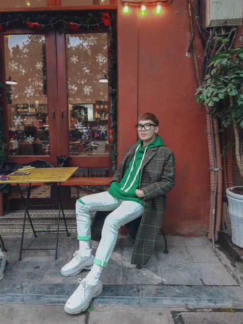 Lê Minh Ngọc gây ấn tượng trong top thời trang sao nam nửa đầu tháng 1/2019 với tinh thần Geek-Chic hòa lẫn hơi thở đường phố sôi động. Ảnh: Instagram @leminhngoc