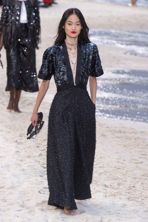 Đến nay với giới mộ điệu, Chanel vẫn là tượng đài bất biến của trường phái thanh lịch và sang trọng. Ảnh: Vogue