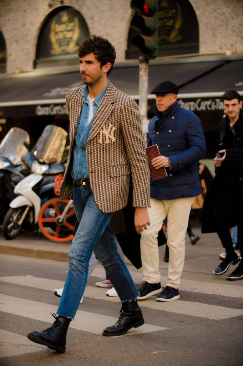 Thấy Gucci là thấy một nền di sản xưa cũ trong hình ảnh chiếc áo blazer được may theo phom dáng cổ điển. Ảnh: GQ UK