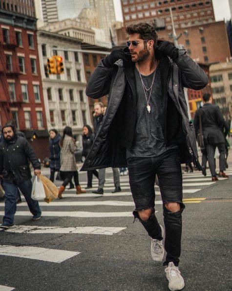 Nick Bateman xếp vị trí thứ 8 trong top thời trang sao nam ấn tượng tuần 3 tháng 1/2019. Ảnh: Instagram @nick__bateman