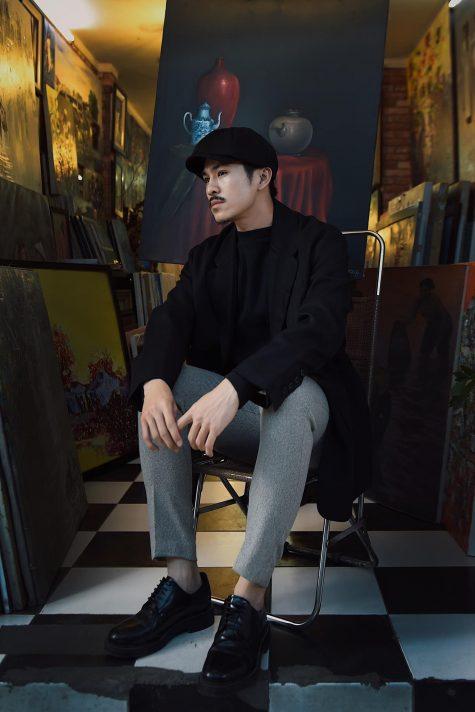 Thiên Minh mở đầu top thời trang sao nam tuần này với outfit mang đậm màu sắc cổ điển. Ảnh: Instagram @thienminh1990