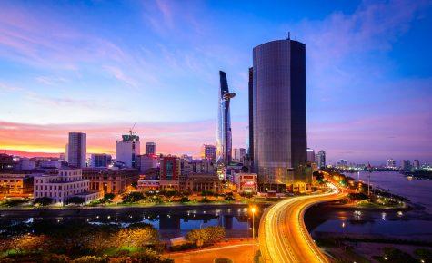 Vì sao ta lang thang thành phố Sài Gòn mùa Tết?