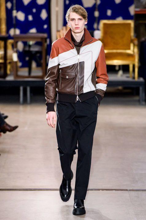 Người đàn ông của Hermes vẫn trung thành với phong cách nam tính, mạnh mẽ. Ảnh: Vogue