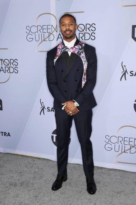 Michael B Jordan với phần layer áo yếm độc đáo của Louis Vuitton. Ảnh: GQ
