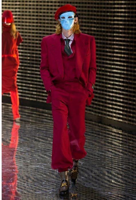 Màu đỏ bordeaux thời thượng. Ảnh: Gucci