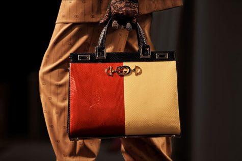Những mẫu túi xách được giản lược về họa tiết mang đến tinh thần sang trọng. Ảnh: Gucci