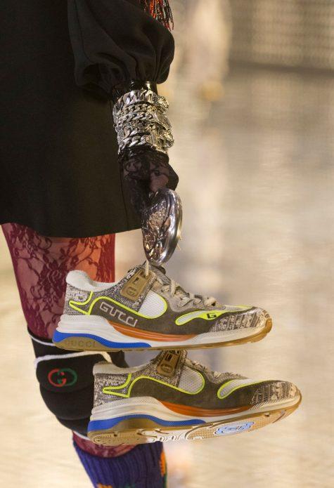 Cảm hứng thể thao hoài cổ thể hiện rõ nét trong những đôi sneaker. Ảnh: Gucci