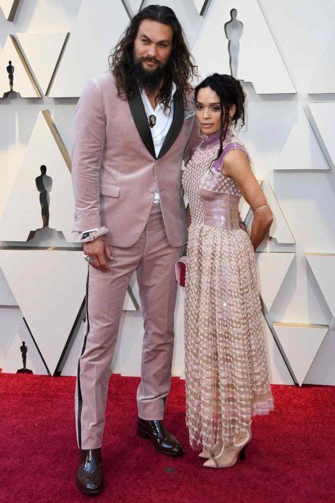 Jason Momoa nổi bật trên thảm đỏ Oscar 2019. Ảnh: Vogue