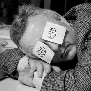 Bắt đầu giờ làm việc trước 10 giờ sáng không tốt cho thể chất và tinh thần?