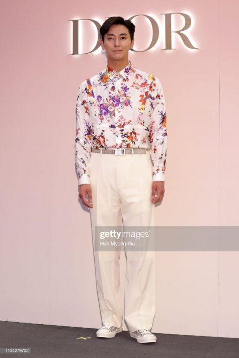 Joo Ji-hoon cán mốc vị trí thứ 5 trong top sao nam mặc đẹp với nguyên cây Dior by Kim Jones. Ảnh: Getty Images