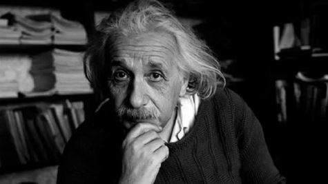 Albert Einstein: Con người thế kỷ và bộ não nghìn năm có một